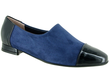 Lucy Navy Stretch Suede